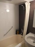 【クィーンベッドルーム】お風呂はシャワーヘッドが大きい