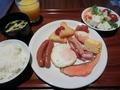 グリルキッチン ボン・ロザージュで朝食ビュッフェ