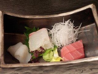 【夕食】御造里 鯛 鮪 烏賊