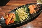 【夕食】ナムルとキムチの盛り合わせ