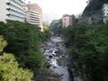 鬼怒川温泉ホテル前を流れる鬼怒川