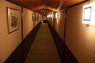 大浴場・夢殿に向かう廊下。