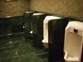 1Fロビー奥のトイレ 便器4台