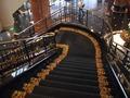 2階から降りる階段