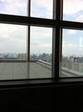 45Fのタワーズグリルからスカイツリーが見えます