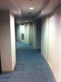 廊下はカーブに