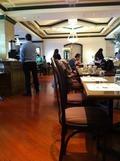 「カフェ コルベーユ」の店内