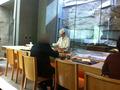 寿司六緑のカウンター