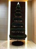 エレベータホールのクリスマスツリー