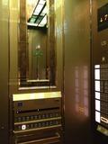 エレベーターはゴールド!