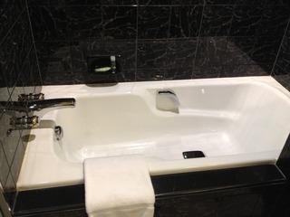 バスルームの浴槽