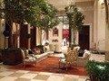 ロビーフロアのソファ