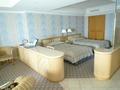 618号室のベッドルーム