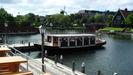 ホテルから乗れる船。