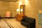 エレベーターを待つ間の空間