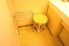洗面台に椅子
