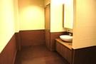 かなり広いトイレです