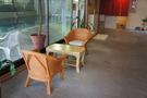 プール横の椅子