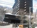 石水亭の向かい側にある旅館