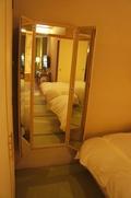 ベットルームの鏡