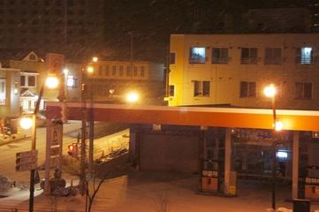 向かいのガソリンスタンド