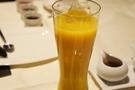 濃いオレンジジュース