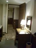 部屋の入口のアングル
