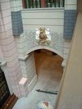 メリーゴーランドのある階を見降ろして