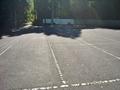 入口の広い駐車場