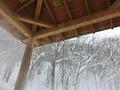 屋根付きの奥の露天風呂