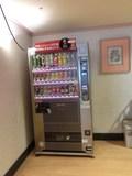 脱衣所内の自動販売機