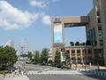 JR桜木町駅前から見た横浜桜木町ワシントンホテルの風景