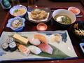 6階お食事処 「万葉庵」の人気メニュー「寿司ご膳」