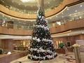 1階のメインロビーのクリスマスツリー