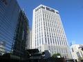 横浜駅西口改札付近から見たホテル