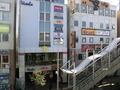 ホテルの目の前の街の様子