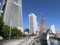 ランドマークタワーと日本丸メモリアルパーク