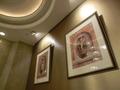 ドッグカフェスペースの室内の絵画
