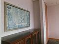 18階控室の中の絵画
