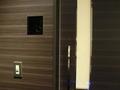 3階身障者用トイレのドア