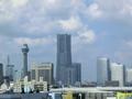 首都高速道路から見たランドマークタワー