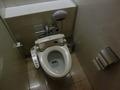 2階女子トイレの便器