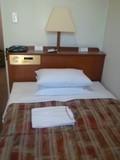 部屋のベッドです