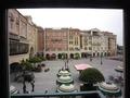 オチェーアノから窓際の正面を見た外の景色
