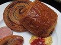 朝食ブッフェのパン