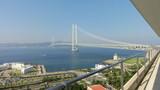 ひゃぁ~。明石海峡大橋が目の前に!
