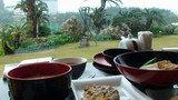 お庭を見ながら和朝食