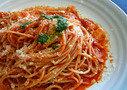 モッツァレラチーズとトマトのパスタ