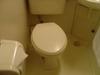 トイレはやや狭くて使いづらい