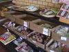 京都トラベラーズインのお土産コーナー
